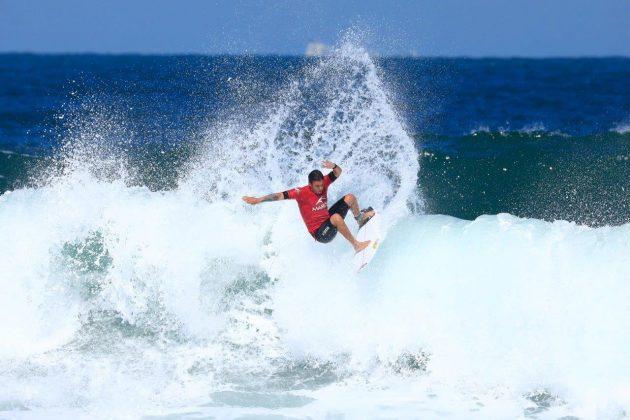 Thiago Guimarães. CBSurf Pro Tour 2018, Praia de Maresias (SP). Foto: Aleko Stergiou