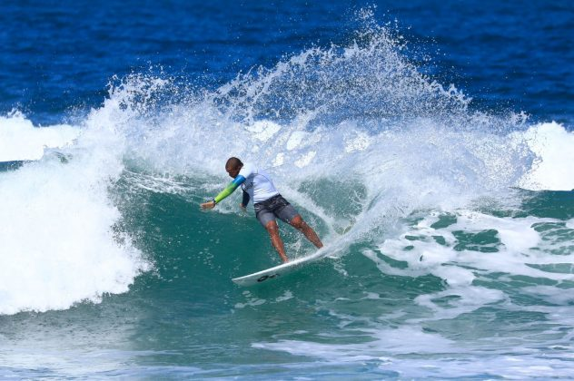 Weslley Dantas. CBSurf Pro Tour 2018, Praia de Maresias (SP). Foto: Aleko Stergiou