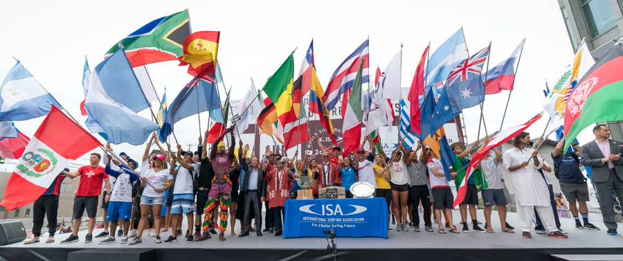 Cerimônia de abertura do UR ISA World Surfing Games 2018, Long Beach, Tahara, Japão. Foto: ISA / Sean Evans