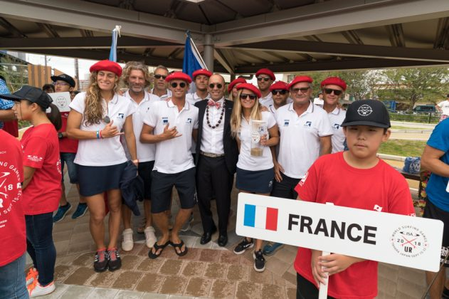 Equipe da França, Cerimônia de abertura do UR ISA World Surfing Games 2018, Long Beach, Tahara, Japão. Foto: ISA / Sean Evans.