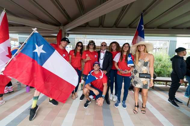 Equipe do Chile. Cerimônia de abertura do UR ISA World Surfing Games 2018, Long Beach, Tahara, Japão. Foto: ISA / Sean Evans