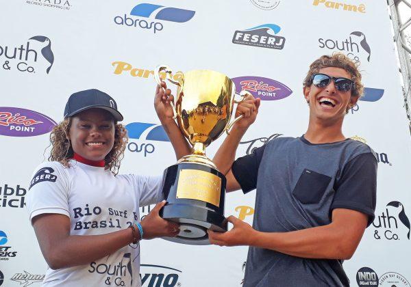 Yanca Costa e João Chianca, Rio Surf Pro, Grumari, Rio de Janeiro (RJ). Foto: Pedro Monteiro.