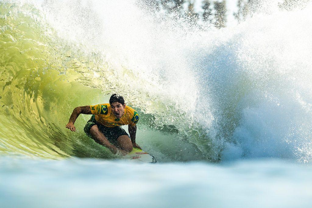 Gabriel Medina e Filipe Toledo esquentam briga pelo título do Surf Ranch Pro.