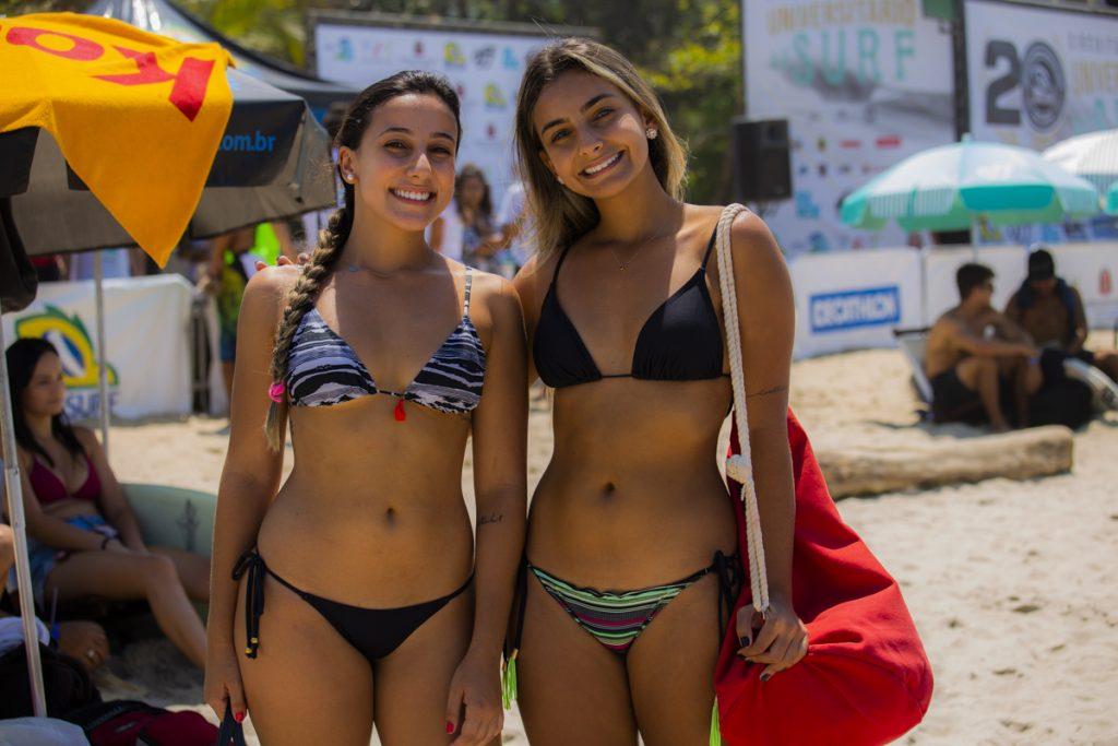 Público enfeita a movimentada praia de Itamambuca.
