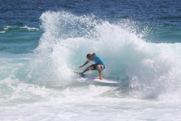 Raoni Monteiro, Itacoatiara Open de Surf 2018, Niterói (RJ). Foto: @surfetv / @carlosmatiasrj.