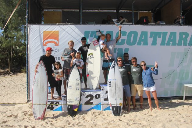 Pódio Master Pro, Itacoatiara Open de Surf 2018, Niterói (RJ). Foto: @surfetv / @carlosmatiasrj.