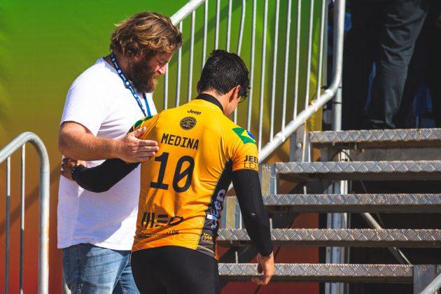 Ryan Fletcher e Gabriel Medina, MEO Rip Curl Pro Portugal 2018, Supertubos, Peniche. Foto: Luca Castro.