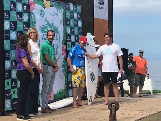Cheyne Horan discursando em portuguêss, Mundial Master 2018, Açores, Portugal. Foto: Arquivo pessoal Fabio Gouveia.