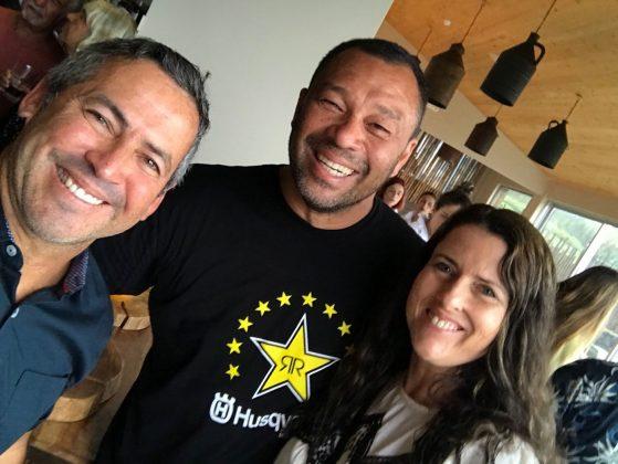 Fabio Gouveia, Sunny Garcia e Elka, Mundial Master 2018, Açores, Portugal. Foto: Arquivo pessoal Fabio Gouveia.