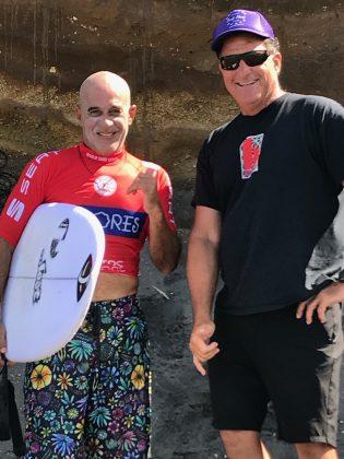 Legends havaianos Michael Ho e Hans Hedemann, Mundial Master 2018, Açores, Portugal. Foto: Arquivo pessoal Fabio Gouveia.