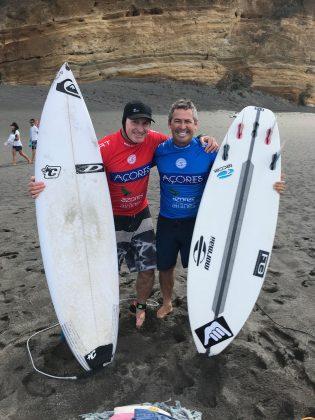 Dave Macaulay e Fabio Gouveia antes da semifinal, Mundial Master 2018, Açores, Portugal. Foto: Arquivo pessoal Fabio Gouveia.