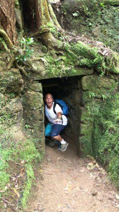 O repórter português João Valente achou este tubo durante uma trilha em Açores, Mundial Master 2018, Açores, Portugal. Foto: Arquivo pessoal Fabio Gouveia.