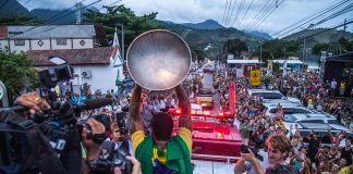 Gabriel Medina é recebido com festa em Maresias (SP), em comemoração ao bicampeonato mundial.