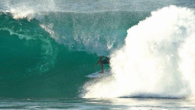 Ezra Sitt, Backdoor, North Shore de Oahu, Havaí. Foto: Bruno Lemos / Sony Brasil.