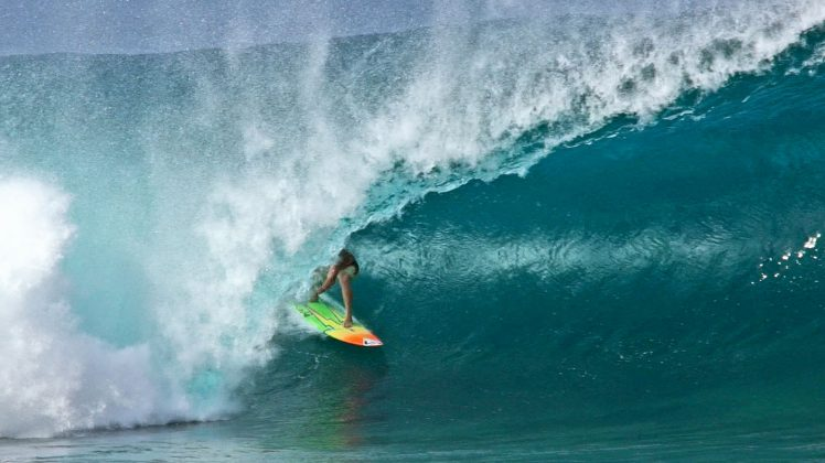 Makua Rothman, Pipeline, North Shore de Oahu, Havaí. Foto: Bruno Lemos / Sony Brasil.