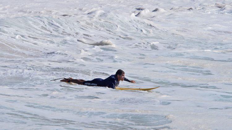 Carlos Burle, Waimea Bay, North Shore de Oahu, Havaí. Foto: Bruno Lemos / Sony Brasil.