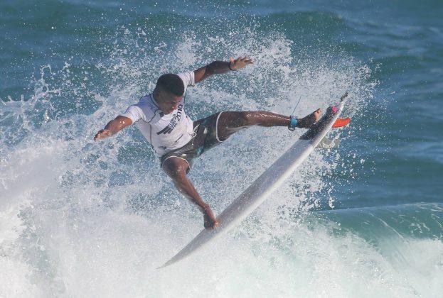José Francisco Fininho, Floripa Surf Pro 2019, Joaquina, Florianópolis (SC). Foto: Basilio Ruy/P.P07.