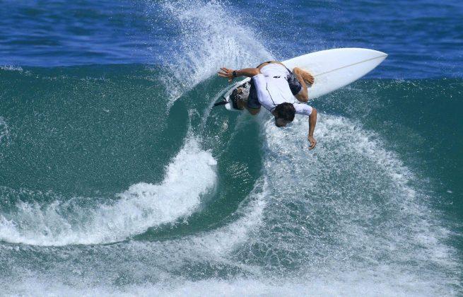 Jonas Tatuíra, Floripa Surf Pro 2019, Joaquina, Florianópolis (SC). Foto: Basilio Ruy/P.P07.