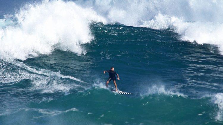 Trevor Carlson, Waimea Bay, North Shore de Oahu, Havaí. Foto: Bruno Lemos / Sony Brasil.