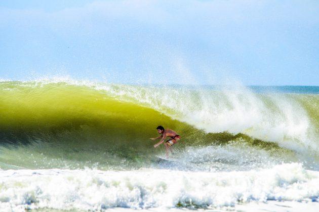 Cleiton Molon, Praia Brava, Itajaí (SC). Foto: @alexpires_photos.