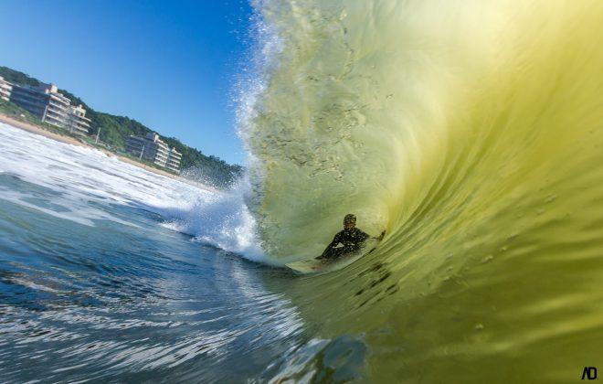 Dickson Queiroz, Praia Brava, Itajaí (SC). Foto: André Deichmann.