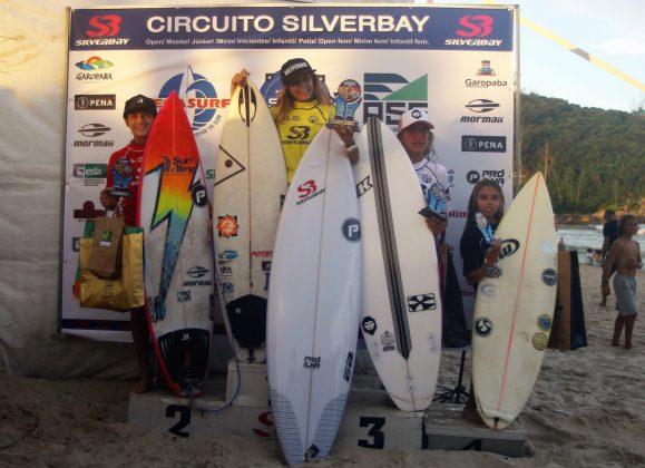 Pódio Feminino Sub 12, Circuito Silverbay Amador 2019, Ferrugem, Garopaba (SC). Foto: Basilio Ruy/P.P07.