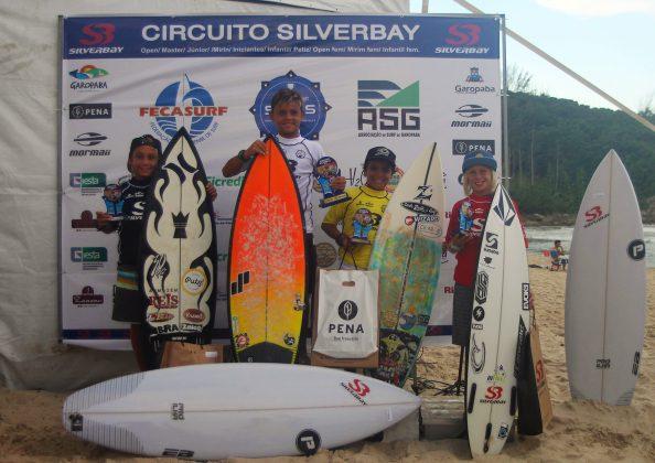 Pódio Infantil Sub 12, Circuito Silverbay Amador 2019, Ferrugem, Garopaba (SC). Foto: Basilio Ruy/P.P07.