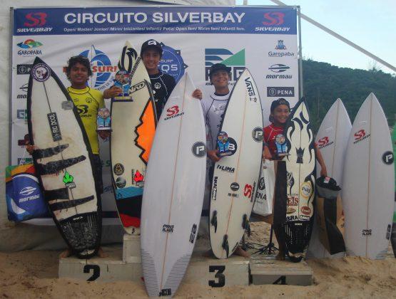 Pódio Iniciantes Sub 14, Circuito Silverbay Amador 2019, Ferrugem, Garopaba (SC). Foto: Basilio Ruy/P.P07.