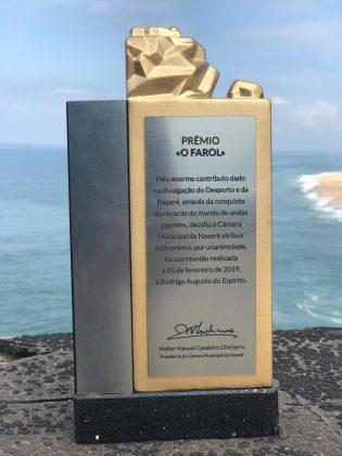 Rodrigo Koxa, Nazaré, Portugal. Foto: Arquivo pessoal.