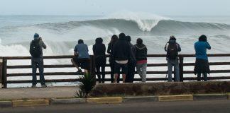 Arica proíbe o surfe