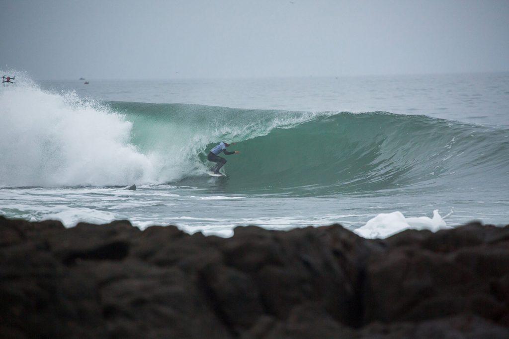 Filho de Peter Mel, John Mel é um dos 32 finalistas do Maui and Sons Arica Pro Tour.