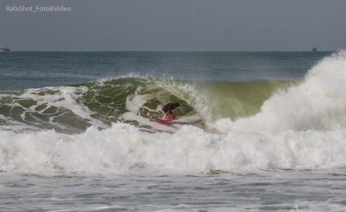 André Esmeraldino, Praia Brava, Itajaí (SC). Foto: Rafa Shot Photography.