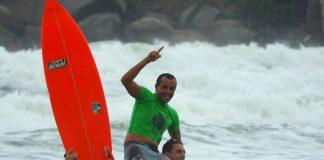 Antony Silva sai na frente