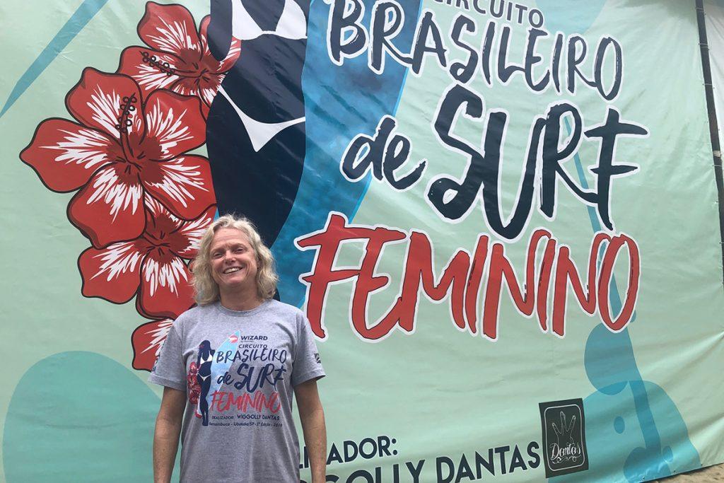 Brigitte Mayer é eleita por unanimidade em assembleia realizada durante o Circuito Brasileiro de Surf Feminino em Ubatuba.