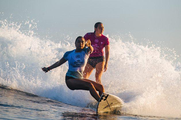 Kailani Johnson e Carissa Moore, Bali Protected 2019, Keramas, Indonésia. Foto: WSL / Dunbar.