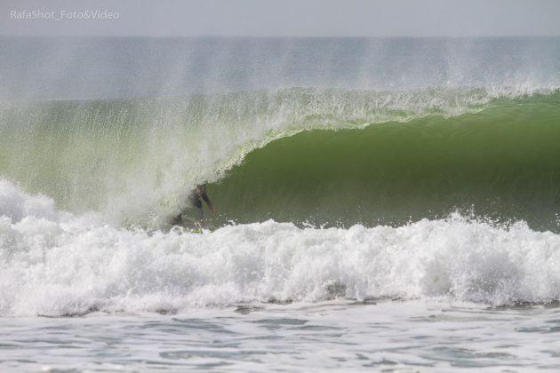 Rodrigo Cutelo, Praia Brava, Itajaí (SC). Foto: Rafa Shot Photography.