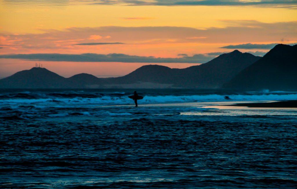 Reserva Mundial de Surfe, Guarda do Embaú sabe o valor do surfe para a economia local.