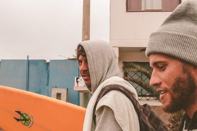 Daniel Knijnik e Luizinho, Punta Rocas, Peru. Foto: Ailton Souza.