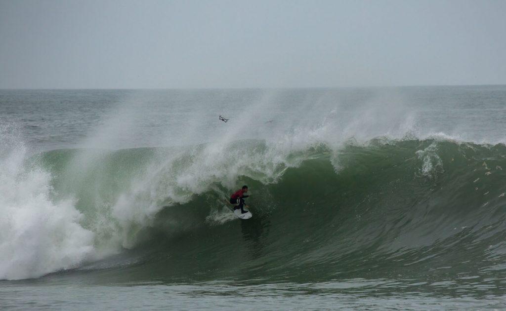 Alonso Correa fica com o vice nos tubos de El Gringo, Chile.