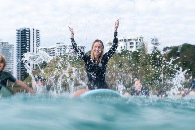 Paddle Out, Kirra, Gold Coast, Austrália. Foto: @konrad_brewski.