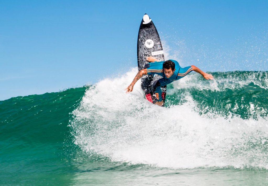 Krystian Kymerson, campeão Abrasp 2018, é um dos confirmados na etapa brasileira do Surf Web Series.