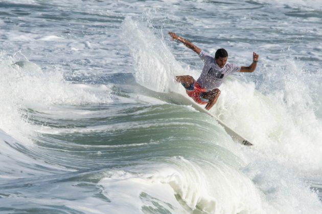 Arthur Silva, Macaé Surf Pro, Praia do Pecado (RJ). Foto: Leandro Foca.
