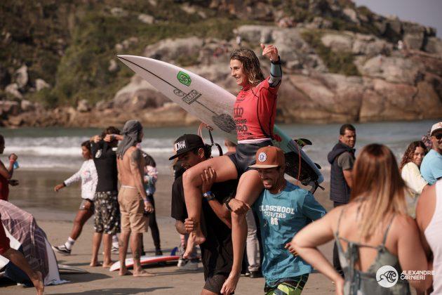 Camila Cássia, MB Surf Pro 2019, Praia Grande, Ilha do Mel (PR). Foto: Alexandre Carnieri.