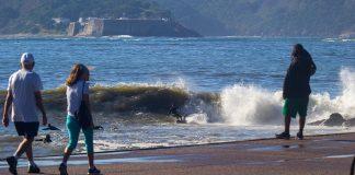 Surfistas em confinamento
