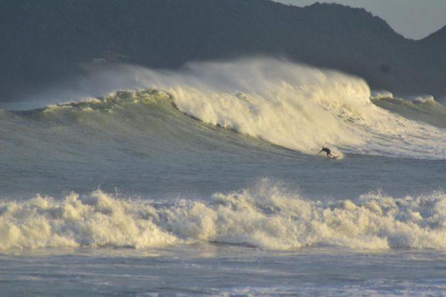 Phil Rajzman, Praia de Geribá, Búzios (RJ). Foto: @vitorwy / @joaopiresc.