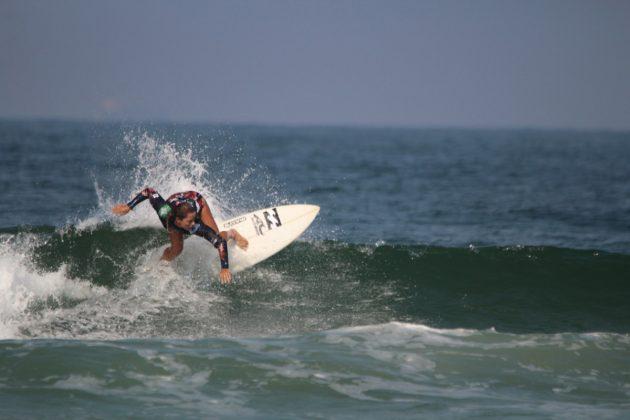 Juliana Meneguel, MB Surf Pro 2019, Praia Grande, Ilha do Mel (PR). Foto: Thiara Mandelli.