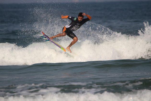 Luciano Brulher, MB Surf Pro 2019, Praia Grande, Ilha do Mel (PR). Foto: Thiara Mandelli.