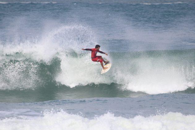 Matheus Faria, Maricá Surf Pro / AM 2019, Ponta Negra (RJ). Foto: @surfetv / @carlosmatiasrj.