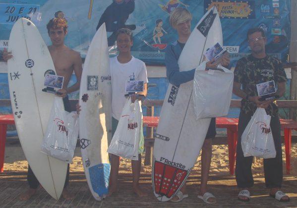 Pódio Sub 18, OP ASJ Kids and Kings 2019, Joaquina, Florianópolis (SC). Foto: Basilio Ruy/P.P07.