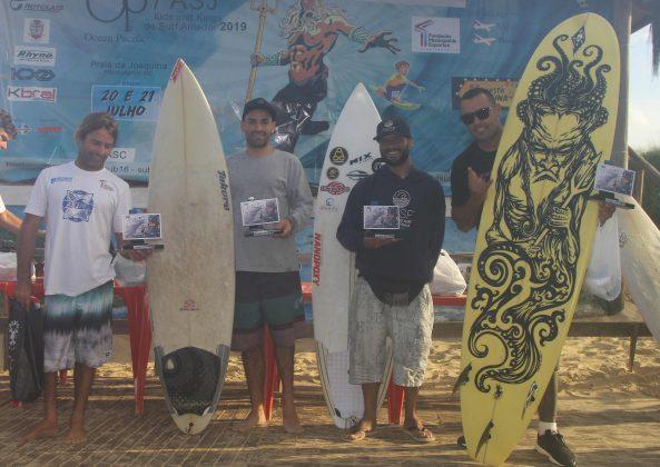 Pódio Surfe Adaptado, OP ASJ Kids and Kings 2019, Joaquina, Florianópolis (SC). Foto: Basilio Ruy/P.P07.